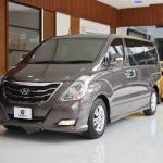 便宜出售2015年现代H1 11座商务车