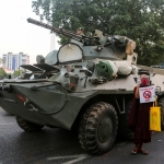 缅甸军布署装甲车 全国第3度断网
